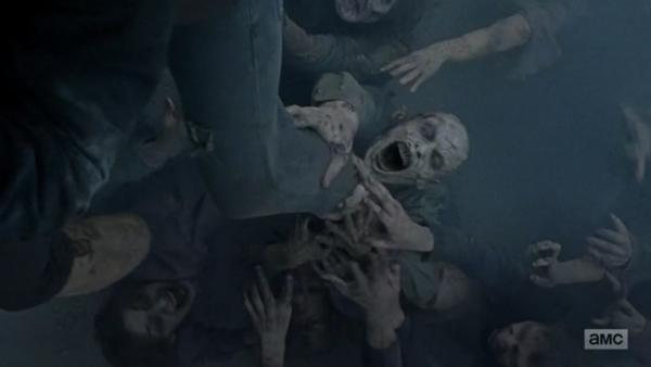 bhd_twd7_muchos-zombies